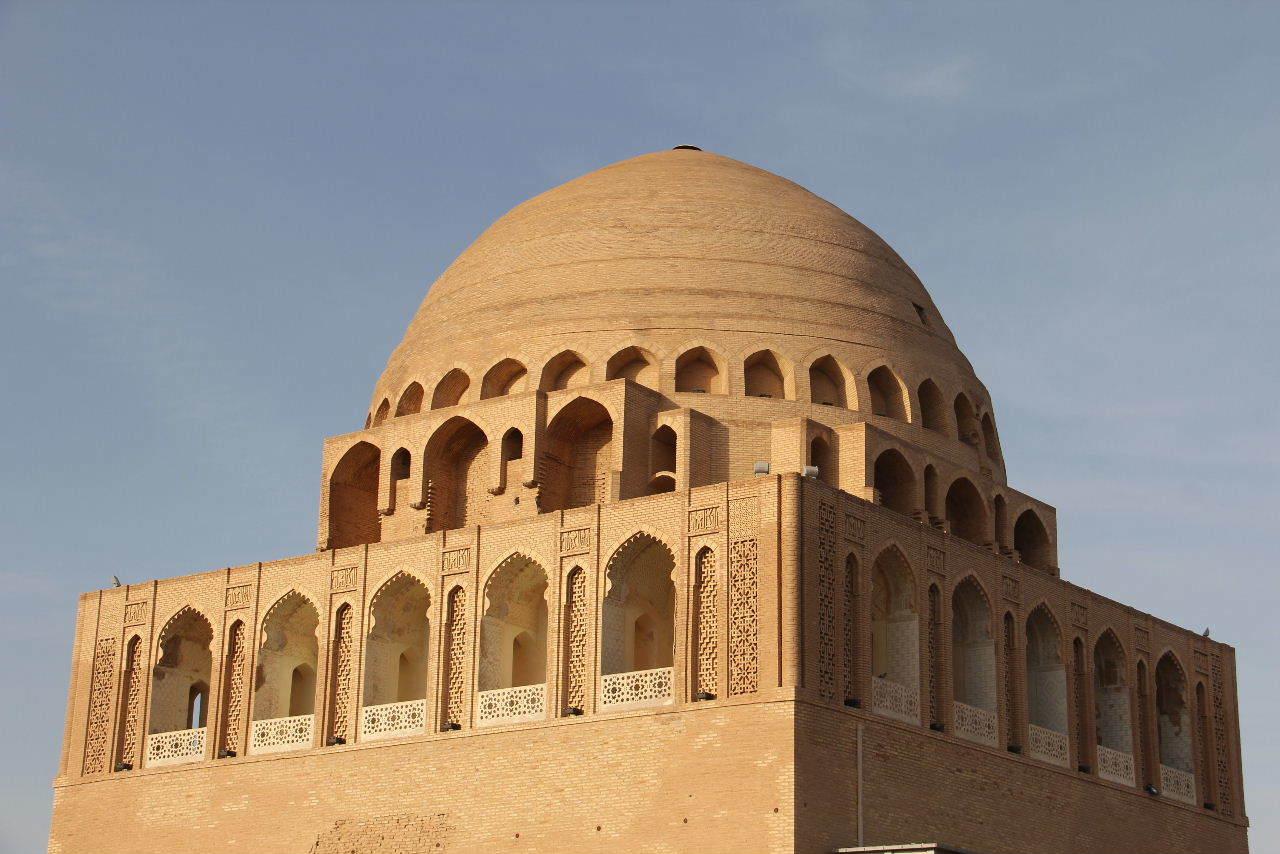 トルクメニスタンの旅(19) メルブ遺跡 スルタン・サンジャール廟_c0011649_07134663.jpg