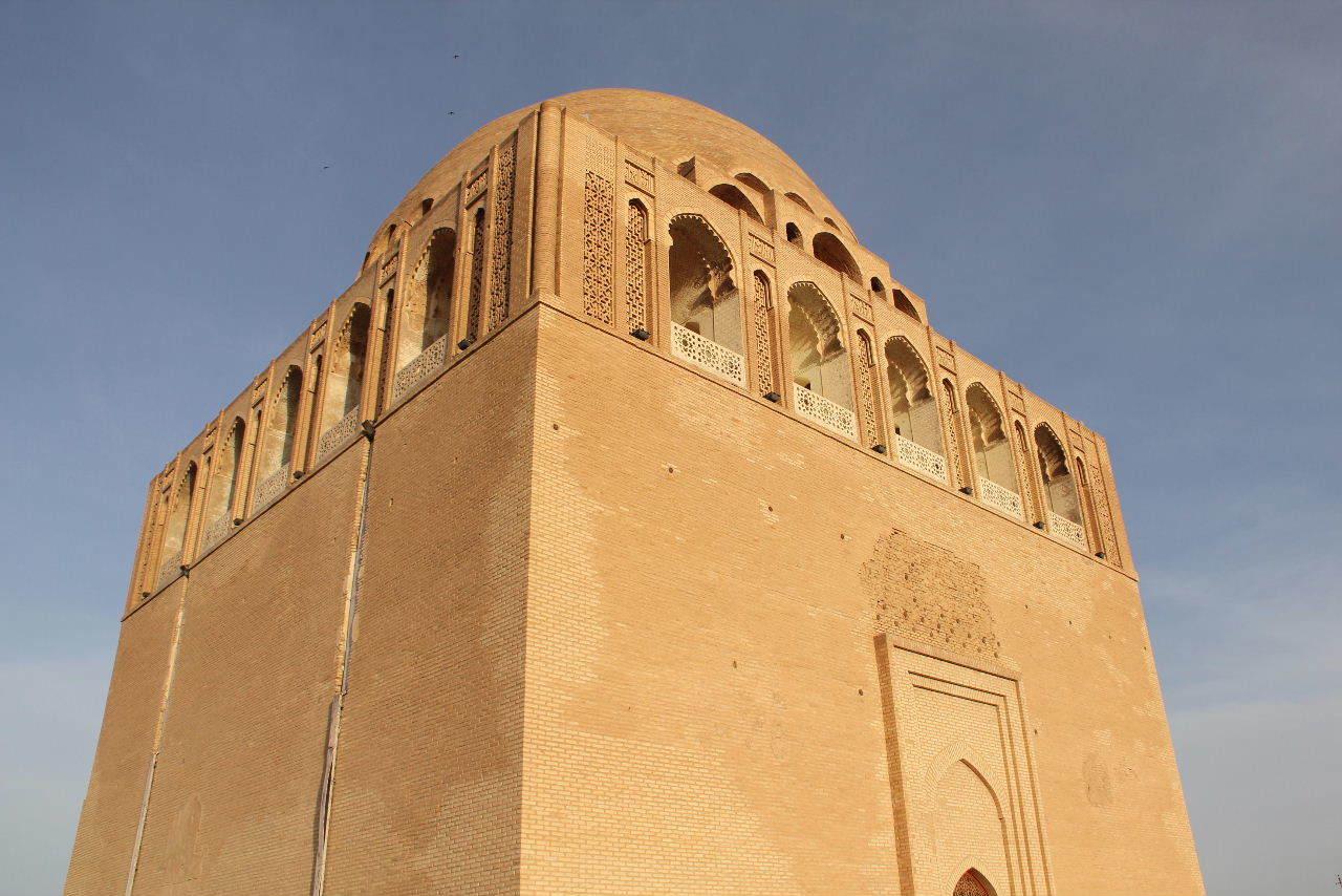 トルクメニスタンの旅(19) メルブ遺跡 スルタン・サンジャール廟_c0011649_07354728.jpg