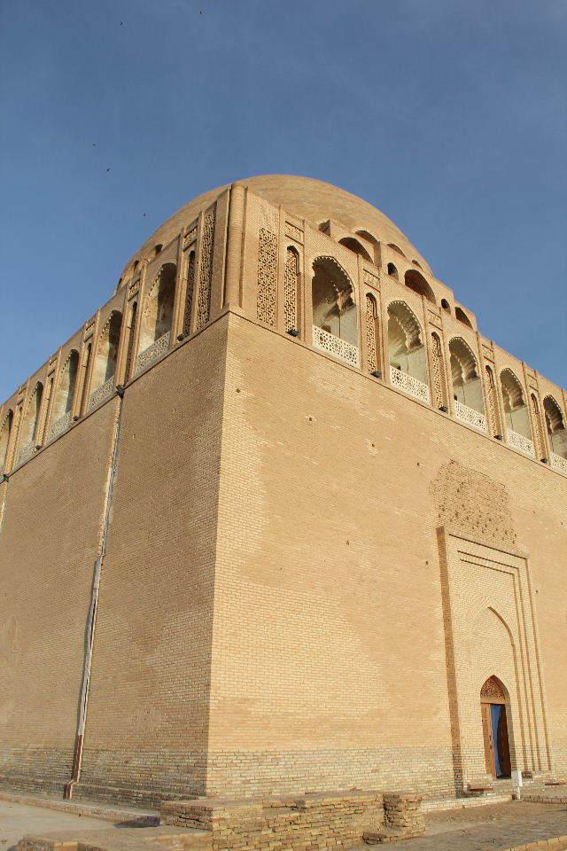 トルクメニスタンの旅(19) メルブ遺跡 スルタン・サンジャール廟_c0011649_07361945.jpg