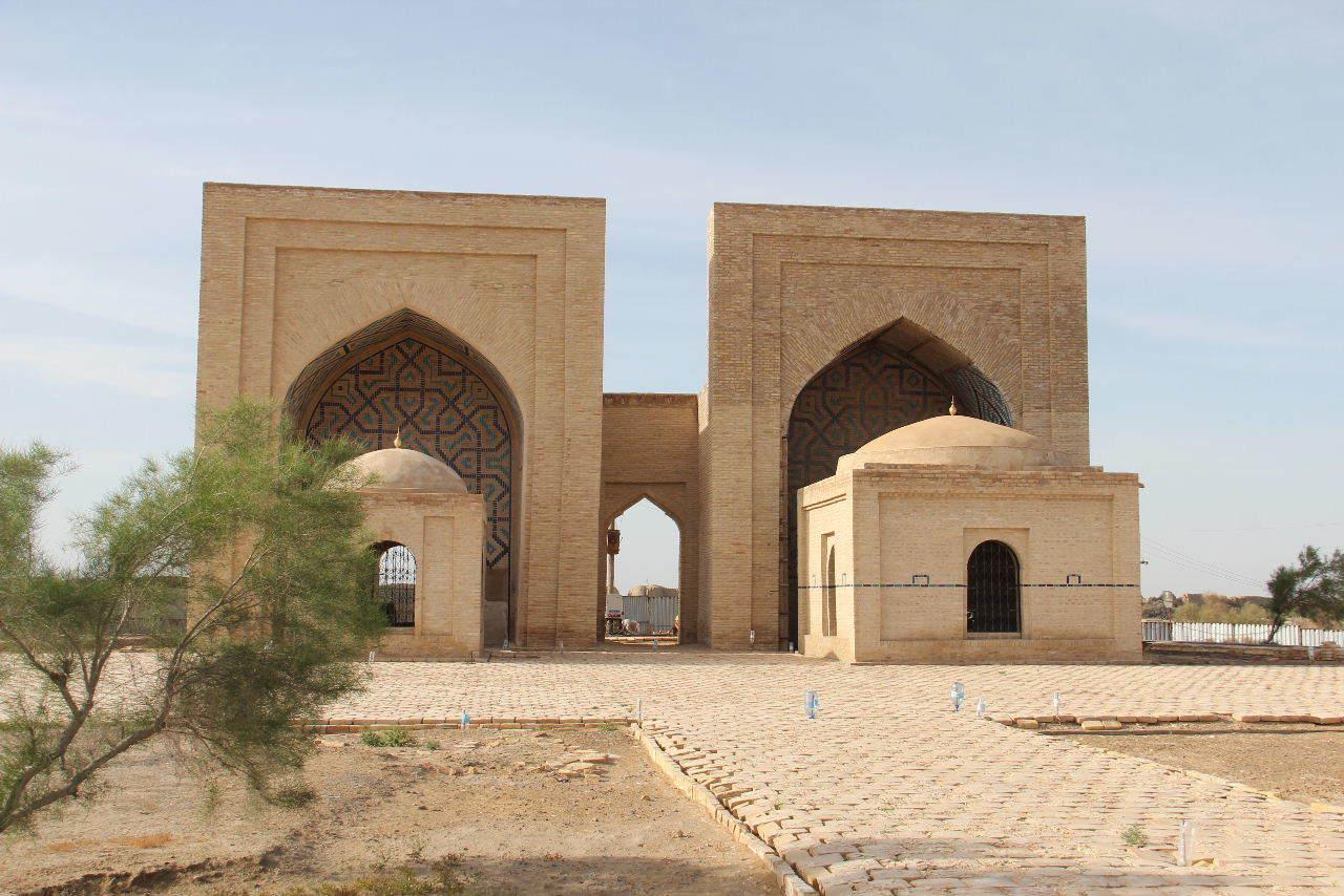 トルクメニスタンの旅(19) メルブ遺跡 スルタン・サンジャール廟_c0011649_08361552.jpg