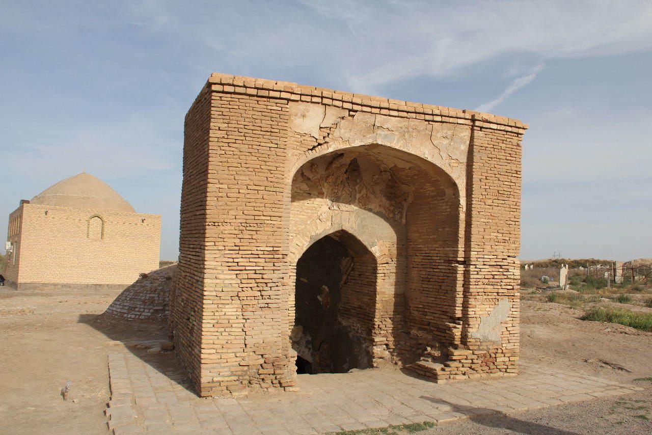 トルクメニスタンの旅(19) メルブ遺跡 スルタン・サンジャール廟_c0011649_08402639.jpg