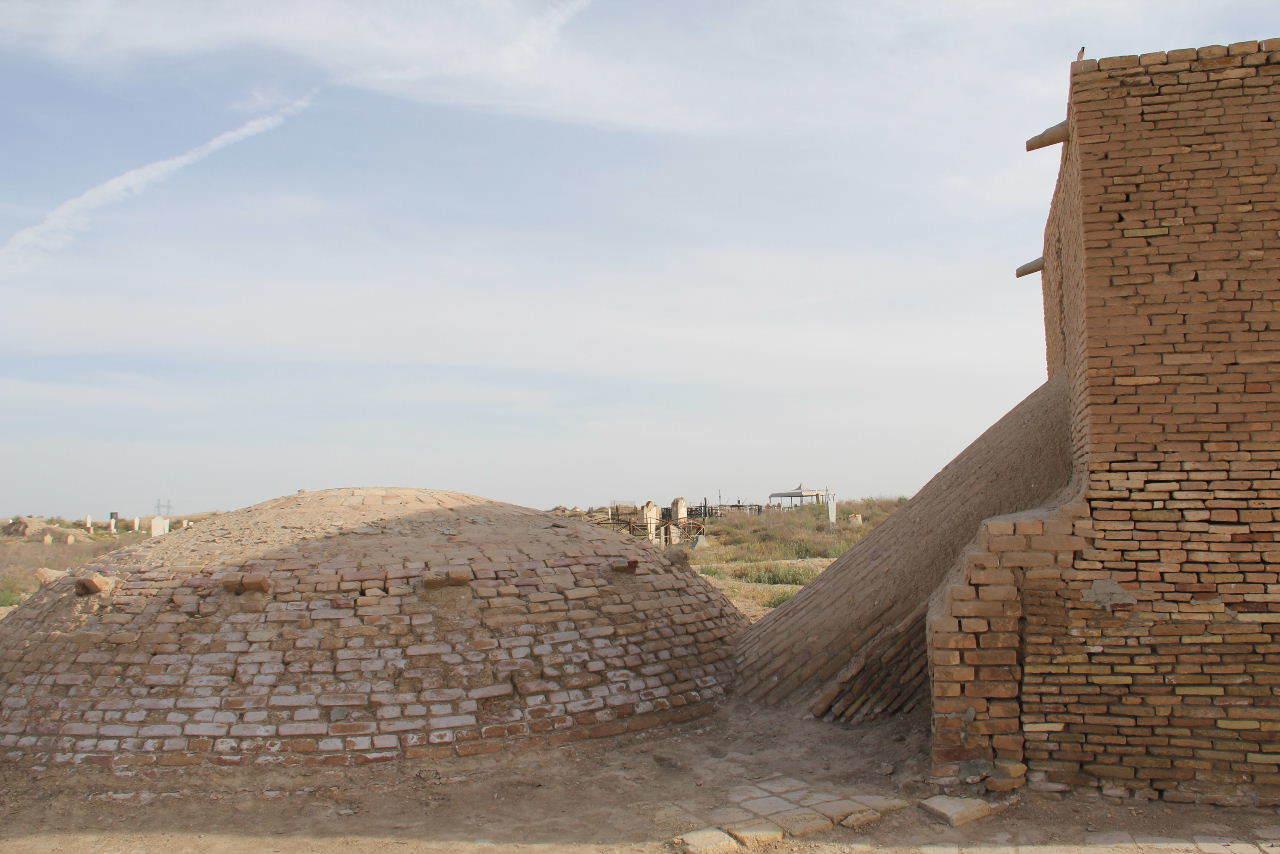トルクメニスタンの旅(19) メルブ遺跡 スルタン・サンジャール廟_c0011649_08405243.jpg