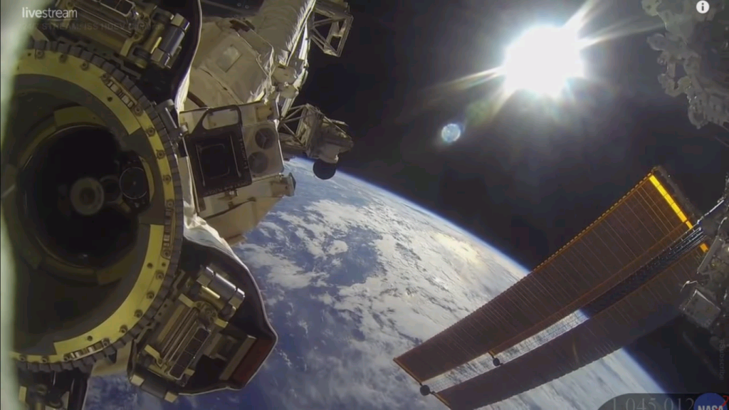 NASA Live - Earth From Space (HDVR) ♥ ISS LIVE  (6/3)_a0034780_02073758.png