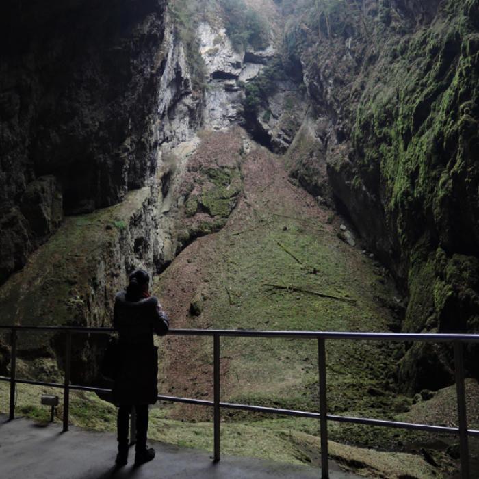 プンクヴァ洞窟(Punkevní jeskyně)で地球の切れ目に佇む_c0060143_14064246.jpg