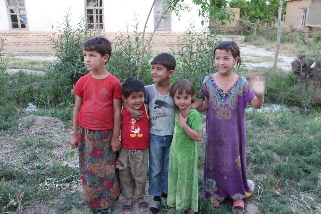 トルクメニスタンの旅(20) マリィの民家で夕食と民族舞踊の宴_c0011649_04015414.jpg