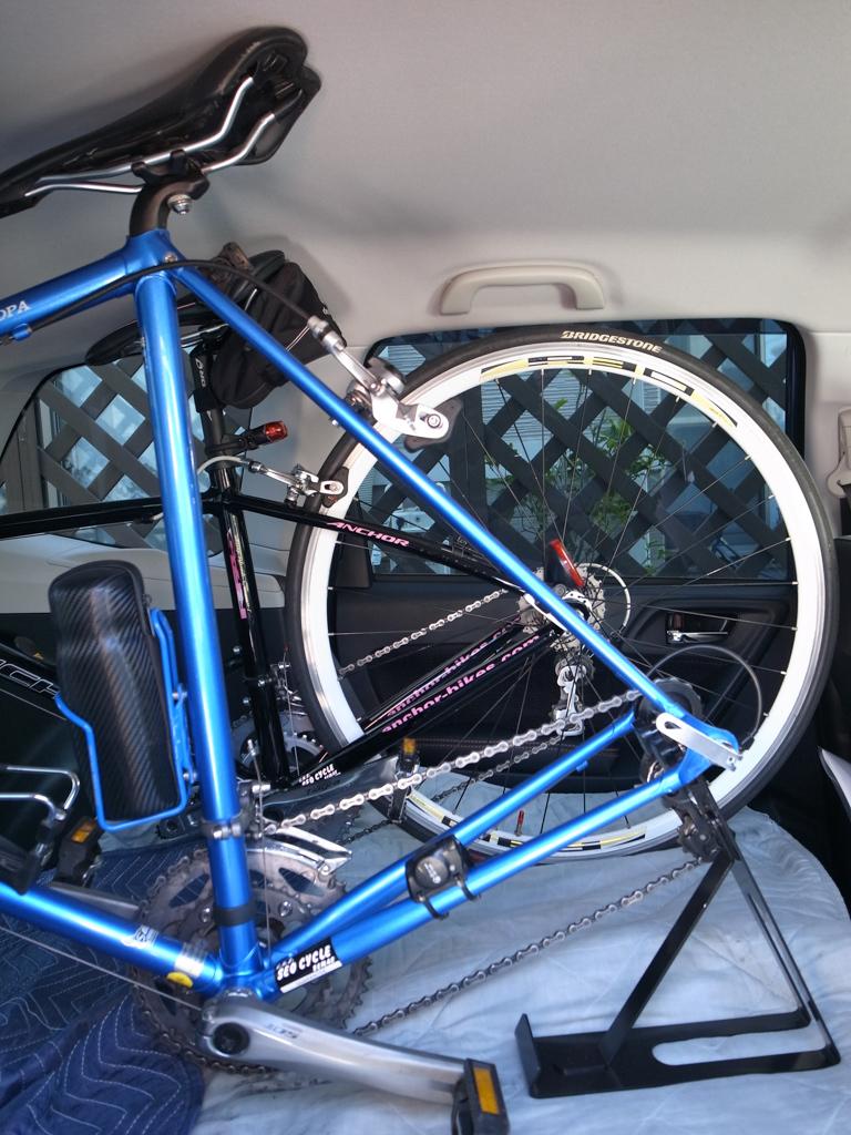 スバル・フォレスター ロードバイク2台を車載してみた。_b0247073_12073085.jpg