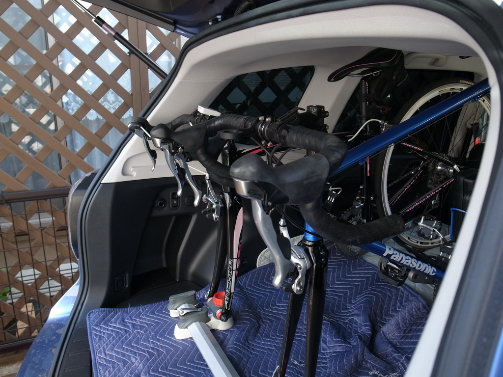 スバル・フォレスター ロードバイク2台を車載してみた。_b0247073_12075193.jpg