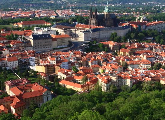 プラハに残したミュシャの芸術遺産:『スラヴ叙事詩』への道_a0113718_15250755.jpg