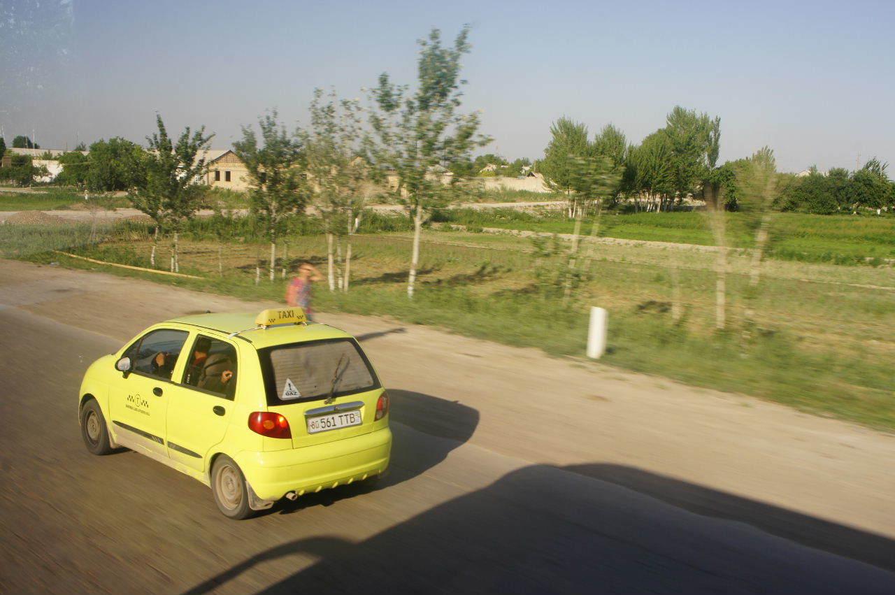 トルクメニスタンの旅(21) マリィからウズベキスタンのブハラへ移動_c0011649_17292093.jpg