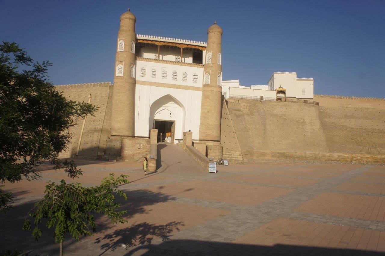 トルクメニスタンの旅(21) マリィからウズベキスタンのブハラへ移動_c0011649_17302641.jpg