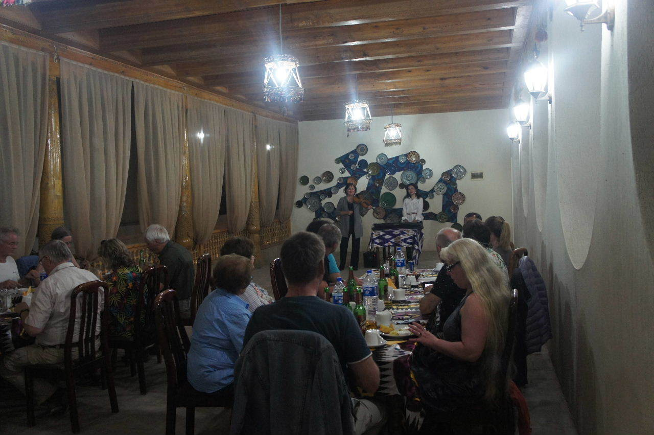 トルクメニスタンの旅(21) マリィからウズベキスタンのブハラへ移動_c0011649_21040434.jpg