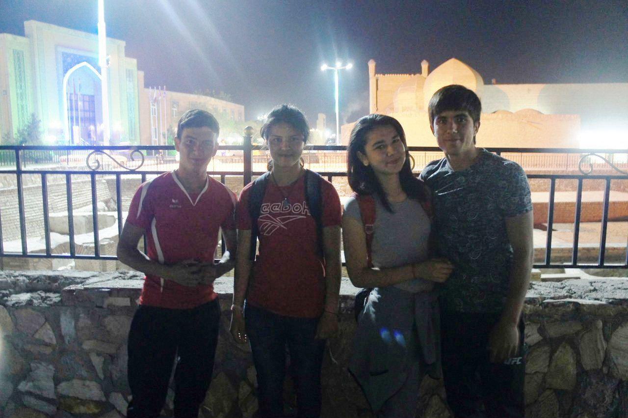 トルクメニスタンの旅(21) マリィからウズベキスタンのブハラへ移動_c0011649_21224714.jpg
