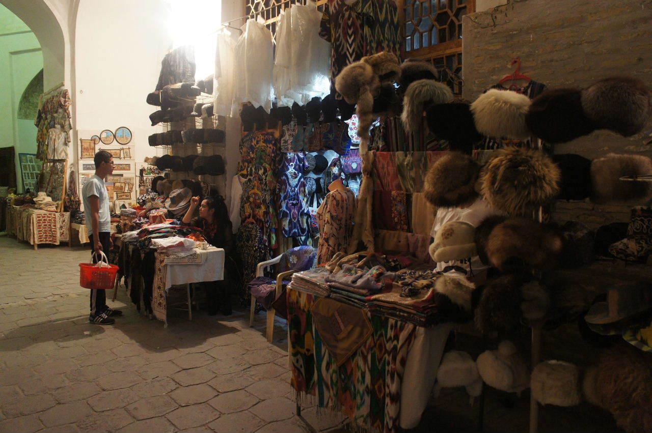 トルクメニスタンの旅(21) マリィからウズベキスタンのブハラへ移動_c0011649_21230688.jpg