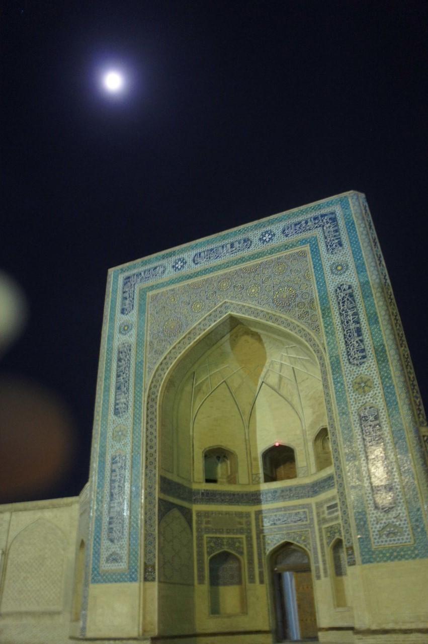 トルクメニスタンの旅(21) マリィからウズベキスタンのブハラへ移動_c0011649_21344442.jpg
