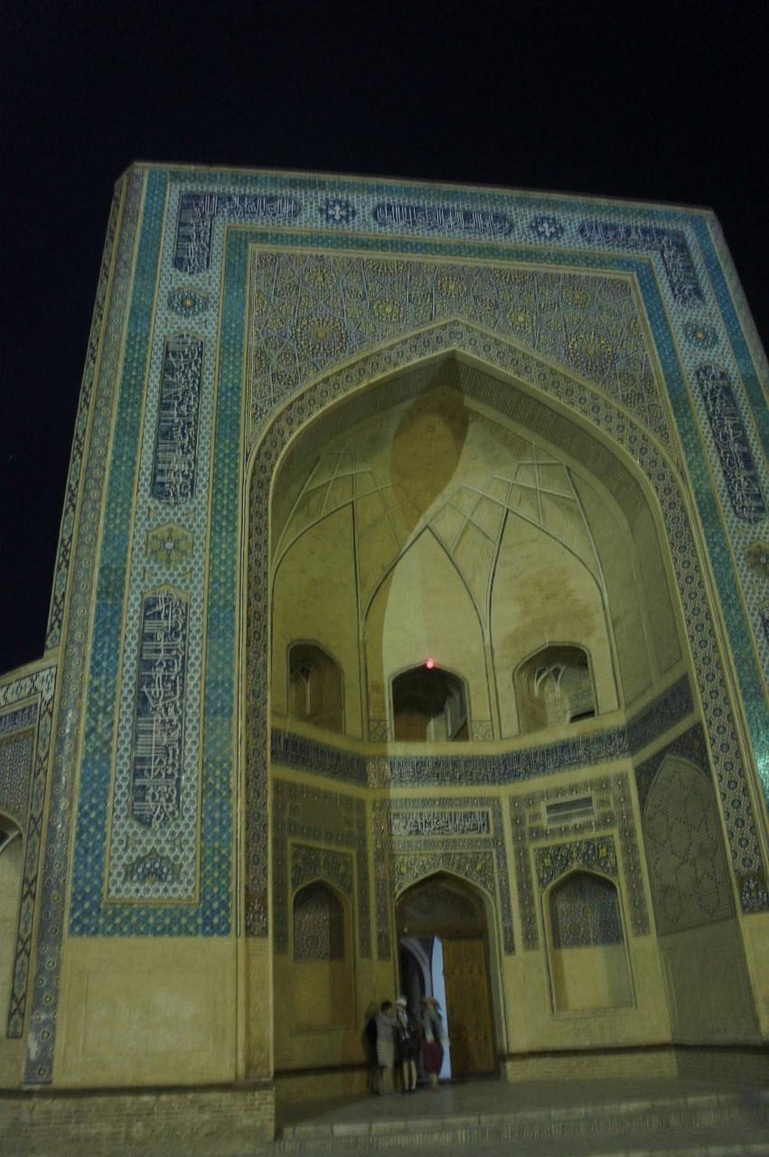 トルクメニスタンの旅(21) マリィからウズベキスタンのブハラへ移動_c0011649_21360998.jpg