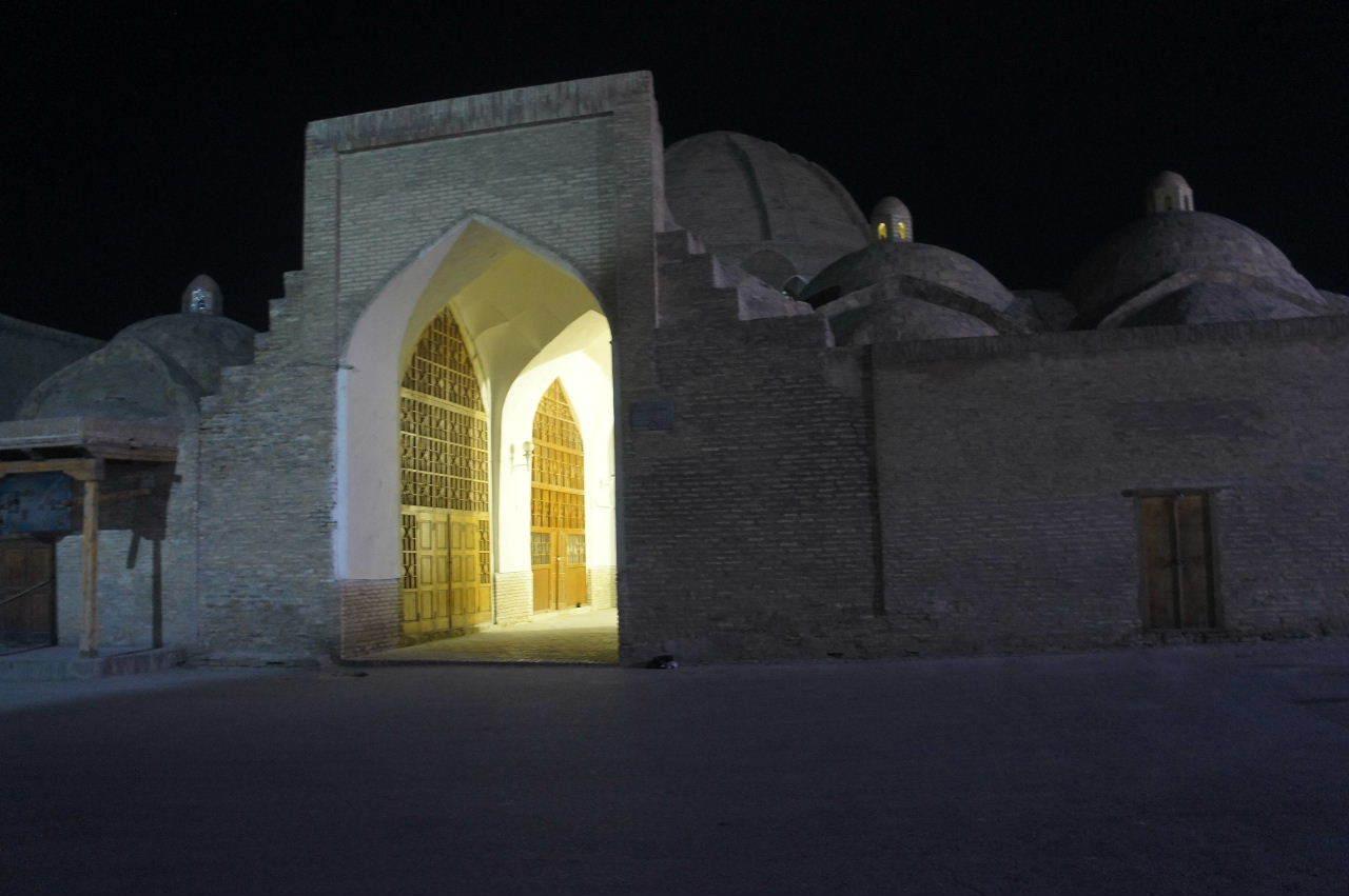 トルクメニスタンの旅(21) マリィからウズベキスタンのブハラへ移動_c0011649_21363280.jpg