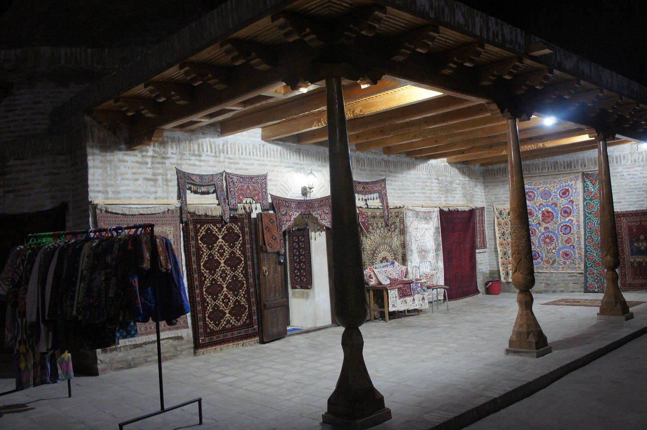 トルクメニスタンの旅(21) マリィからウズベキスタンのブハラへ移動_c0011649_21365837.jpg