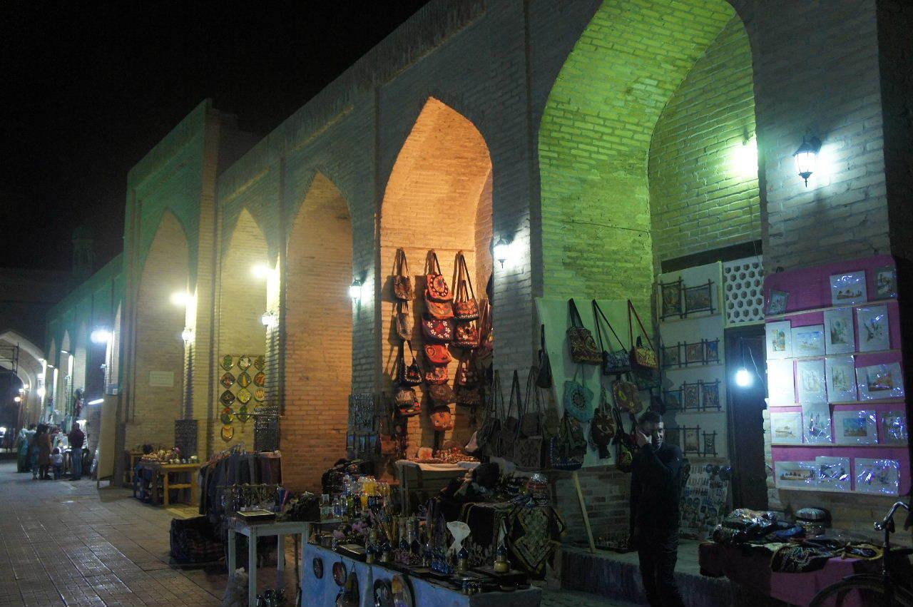 トルクメニスタンの旅(21) マリィからウズベキスタンのブハラへ移動_c0011649_21374667.jpg