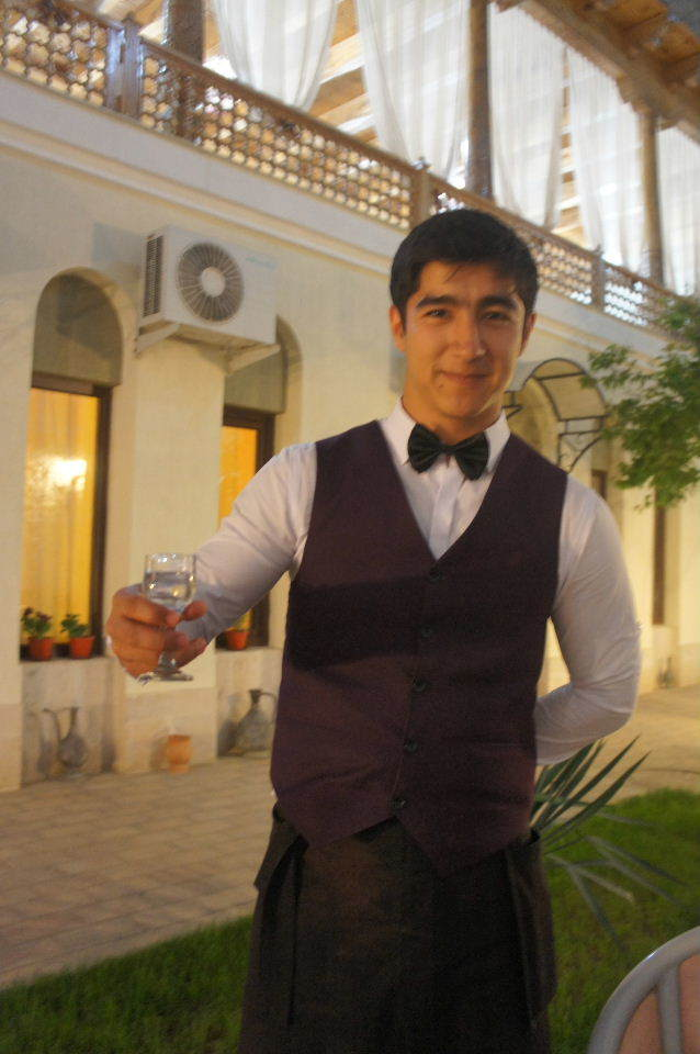 トルクメニスタンの旅(21) マリィからウズベキスタンのブハラへ移動_c0011649_21393499.jpg