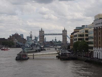 ロンドンブリッジとバラマーケットでテロ_f0238789_18105243.jpg