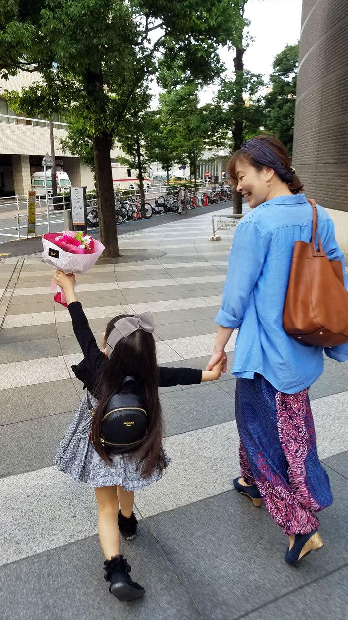 娘の最初のお歌の先生は…再会叶った香織ちゃん♡_d0224894_10295040.jpg