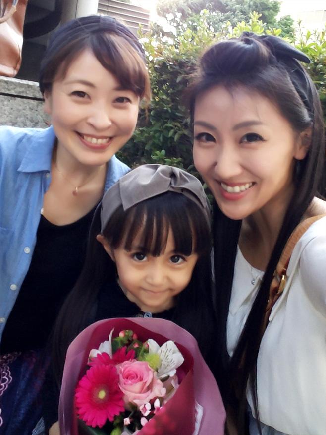 娘の最初のお歌の先生は…再会叶った香織ちゃん♡_d0224894_10295325.jpg