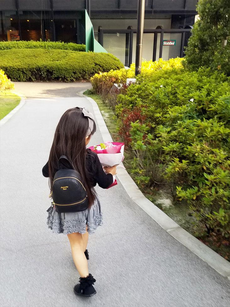 娘の最初のお歌の先生は…再会叶った香織ちゃん♡_d0224894_10300103.jpg