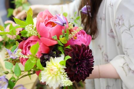 5月の定期レッスン 和の花のブーケ 6月は、オーダーブーケ、8月は会場装花のレッスンです_a0042928_2131472.jpg