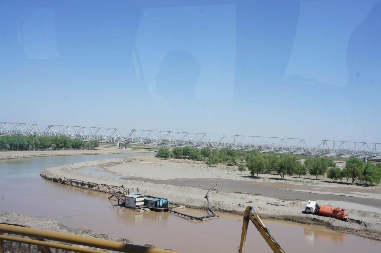 トルクメニスタンの旅(21) マリィからウズベキスタンのブハラへ移動_c0011649_12500577.jpg