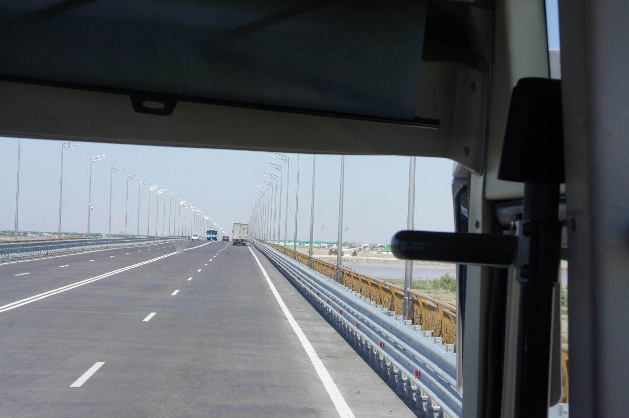 トルクメニスタンの旅(21) マリィからウズベキスタンのブハラへ移動_c0011649_12504201.jpg