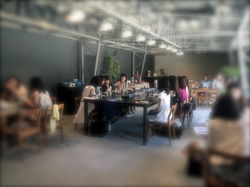 夏のテーブルコーディネートセミナー(アリタポーセリンラボ旗艦店)_c0366777_02184316.jpg