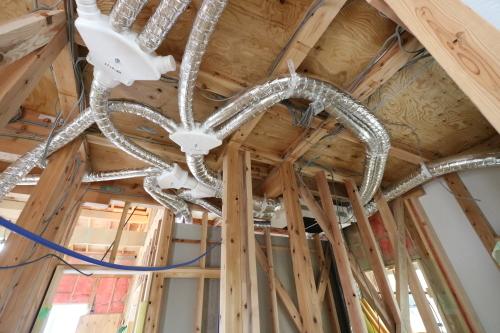 Q1住宅三種:断熱、内装下地_e0054299_15284369.jpg