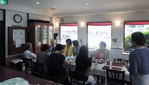 初夏の味と会話をみんなで楽しみました!_f0223914_23035424.jpg