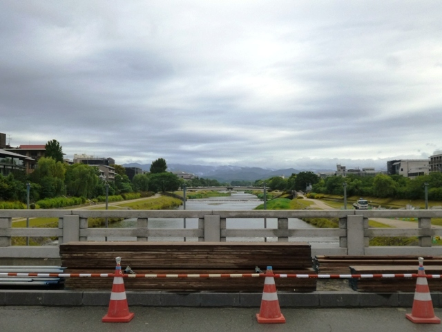 二条大橋改修工事橋のカバー撤去_e0230141_08431510.jpg