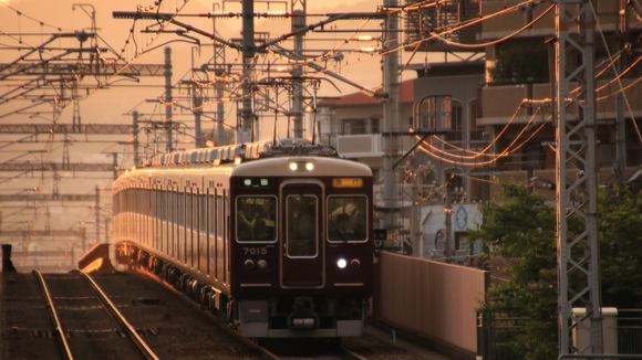 阪急7015F 夕方 _d0202264_2211752.jpg