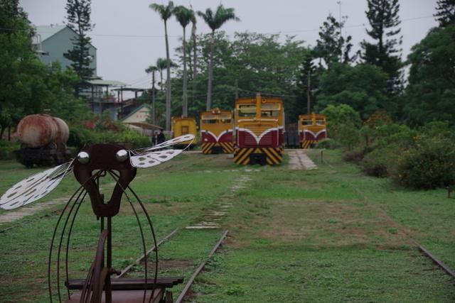 工場や鉄道施設のリノベーションを彩る木々の緑_d0362031_09151031.jpg