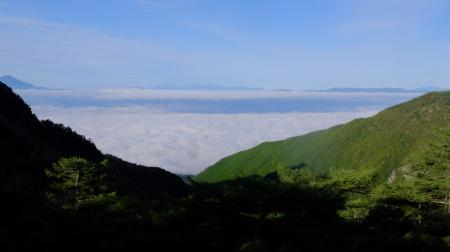 雲海の朝_e0120896_07020323.jpg