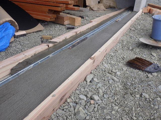 木造ガレージを造る  完成!_f0105112_4255990.jpg