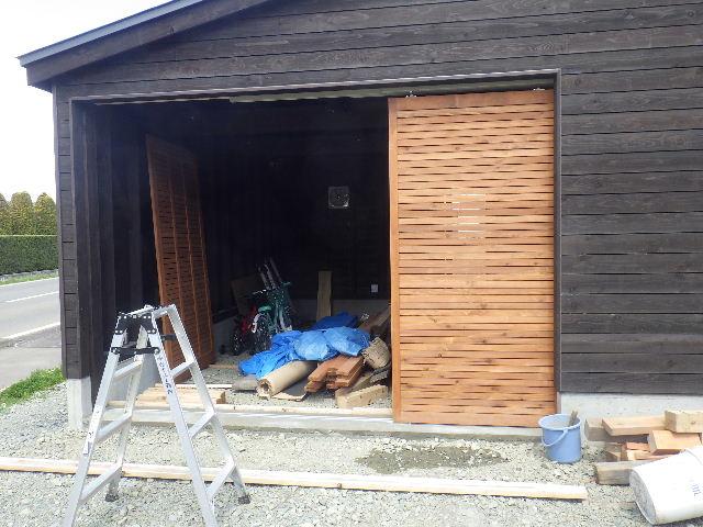 木造ガレージを造る  完成!_f0105112_4265877.jpg