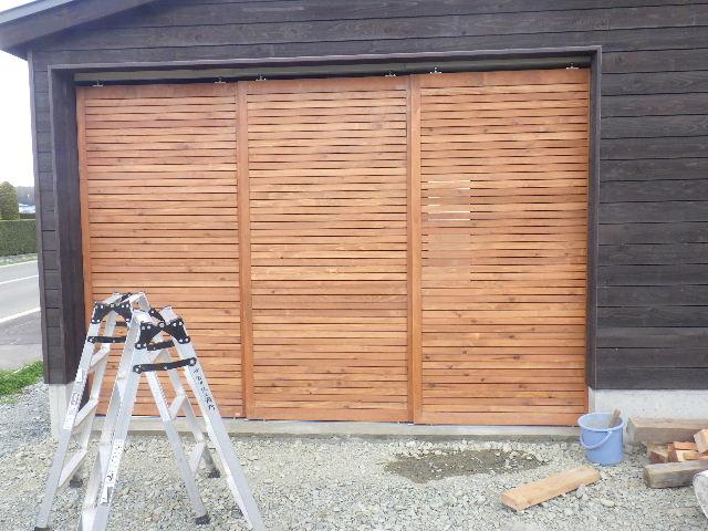 木造ガレージを造る  完成!_f0105112_4283259.jpg