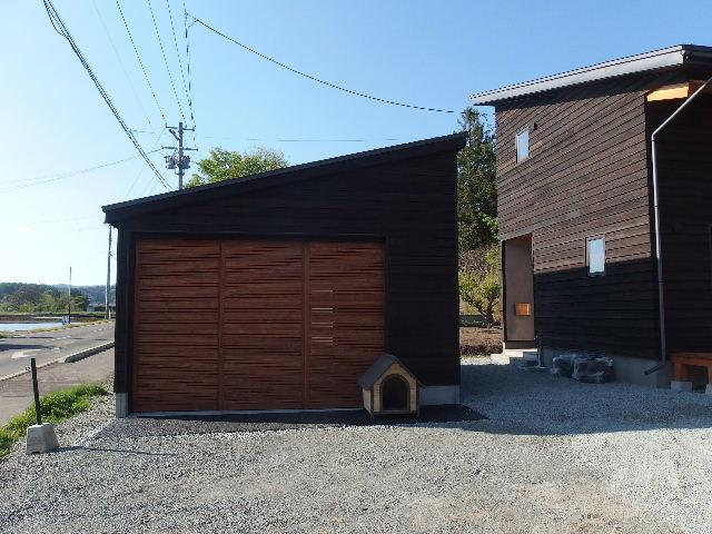 木造ガレージを造る  完成!_f0105112_4361810.jpg