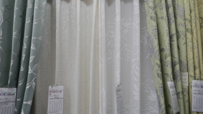 川島織物セルコンカーテンおすすめ♪夏に向けたカーテン掛け替え_e0243413_15400604.jpg