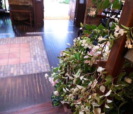 初夏の装花 一生に一度の素敵な一日に ザ・ハウス白金様へ_a0042928_20284010.jpg