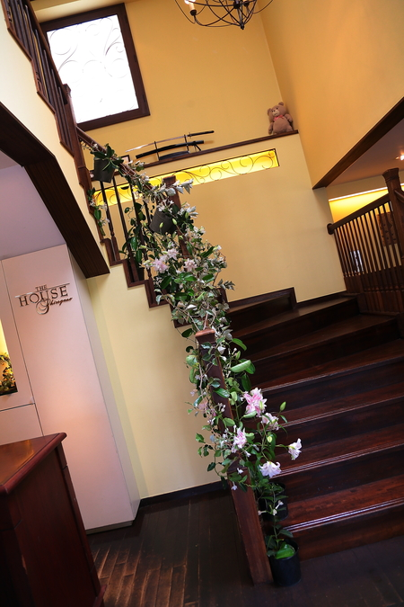 初夏の装花 一生に一度の素敵な一日に ザ・ハウス白金様へ_a0042928_20335551.jpg