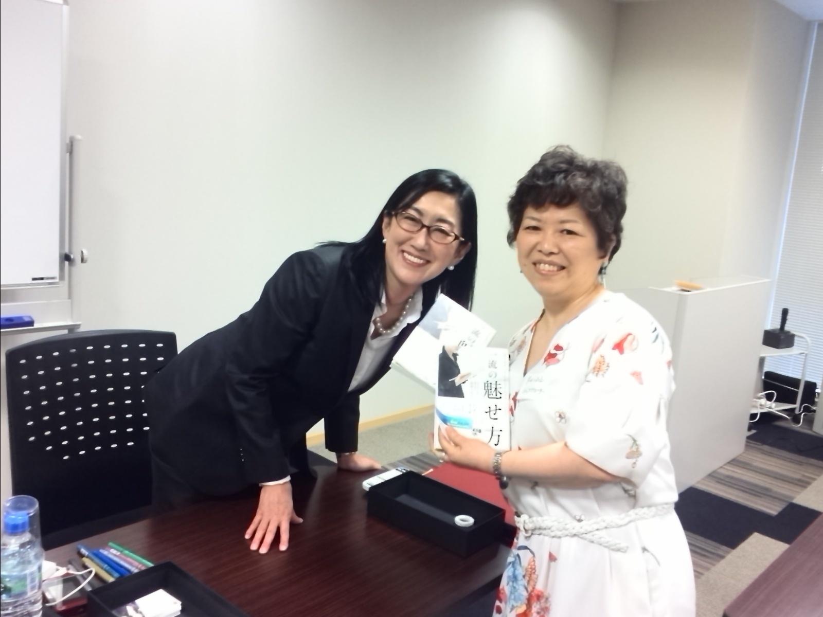 「女性選挙戦略家 鈴鹿久美子氏」の出版記念パーリィに行って来ました!_f0340942_23194915.jpg