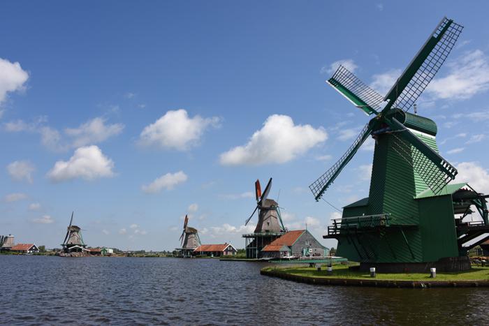 死ぬまでに行きたい世界の絶景!オランダ風車村ザーンセ・スカンス写真アップ!_e0171573_0571537.jpg