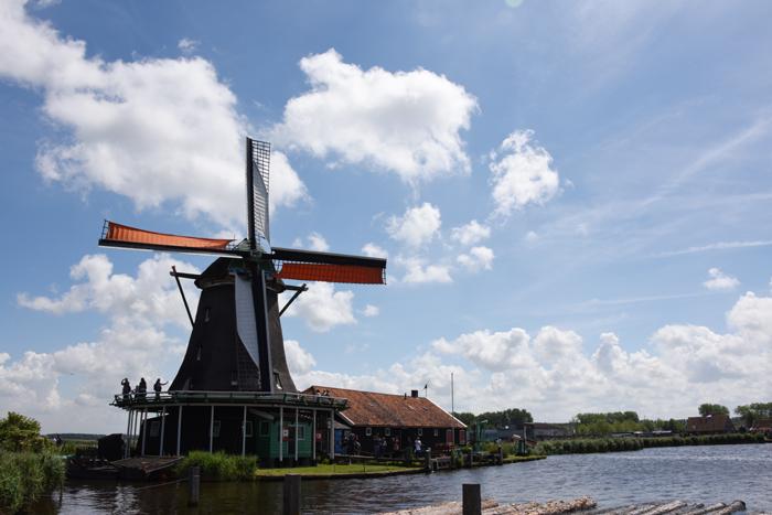死ぬまでに行きたい世界の絶景!オランダ風車村ザーンセ・スカンス写真アップ!_e0171573_057864.jpg