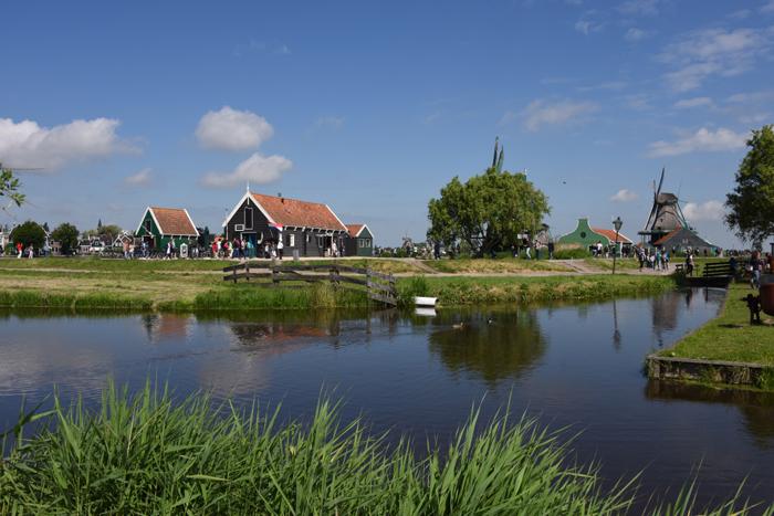 死ぬまでに行きたい世界の絶景!オランダ風車村ザーンセ・スカンス写真アップ!_e0171573_059080.jpg
