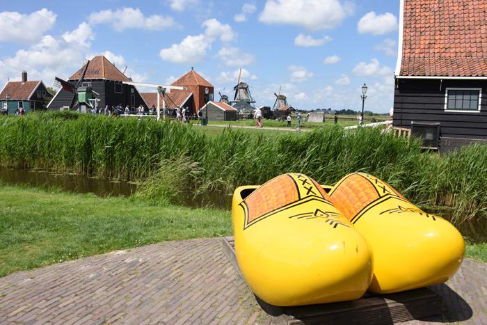 死ぬまでに行きたい世界の絶景!オランダ風車村ザーンセ・スカンス写真アップ!_e0171573_0593132.jpg