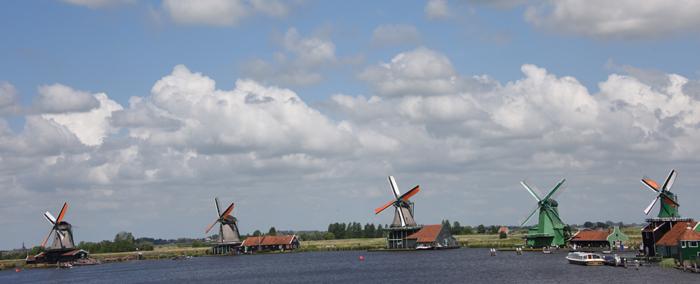 死ぬまでに行きたい世界の絶景!オランダ風車村ザーンセ・スカンス写真アップ!_e0171573_0595685.jpg